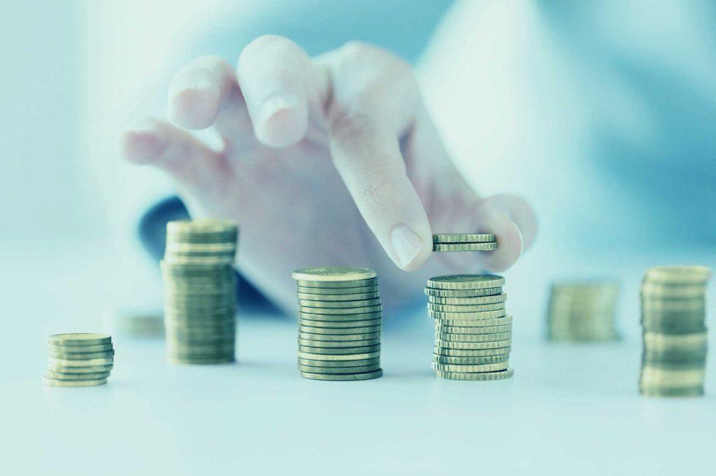 Mit gezielten Investitionen Wettbewerbsfähig bleiben © Fotolia / Syda Productions